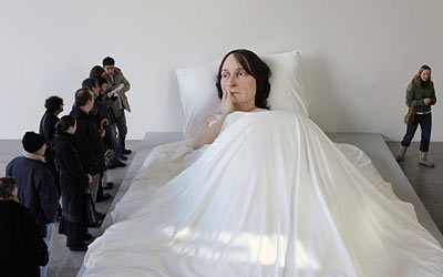 Ron Mueck - In Bed - sculpture - Skulptur