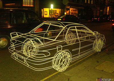 real wireframe car - echtes Drahtgittermodell-Auto - Subaru - by British artist Benedict Radcliffe