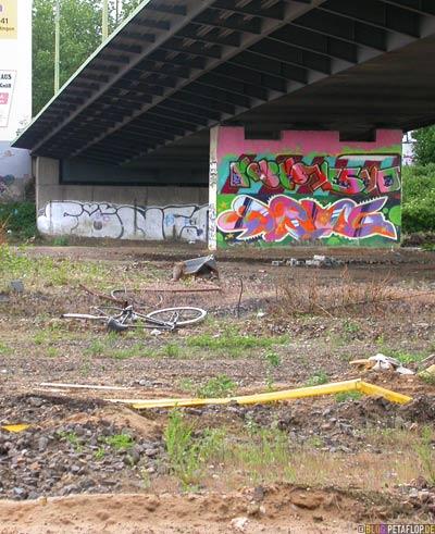 Graffiti Düsseldorf Franklinbrücke FÖNS yesyoYESYO DRUG