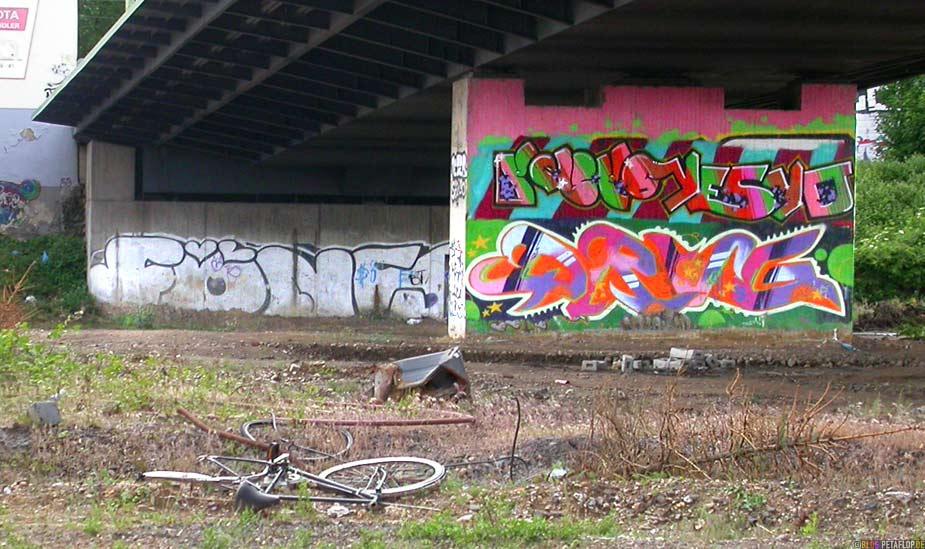 Graffiti Düsseldorf graffiti petaflop de