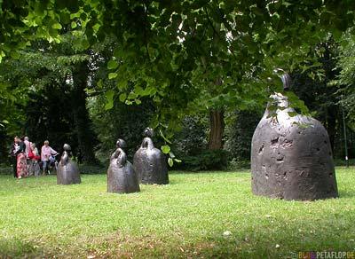 Manolo-Valdes-Las-Meninas-Skulpturen-Sculptures-Duesseldorf-Hofgarten-Enthuellung-DSCN6979