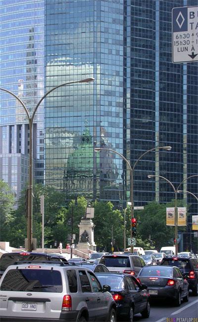 Montreal-Canada-Kanada-City-Buildings-Gebaeude-Zentrum-Spiegelung-Fassade-DSCN7481.jpg