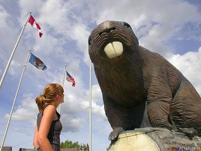 Beaver-Statue-Beaverlodge-British-Columbia-Canada-Kanada-DSCN9957.jpg