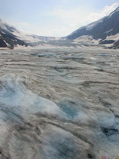 Brewster-Bus-Tour-Trip-on-Athabasca-Glacier-Gletscher-Columbia-Icefield-Jasper-National-Park-Rocky-Mountains-Alberta-Canada-Kanada-DSCN9546.jpg
