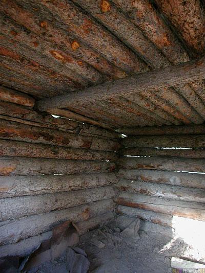Cabin-Holzhuette-Montague-Roadhouse-Holzhaus-Ruin-Blockhaus-Ruine-Klondike-Highway-Yukon-Canada-Kanada-DSCN0554.jpg