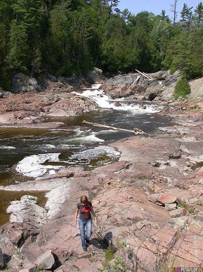 Chippewa-River-Rapids-Stromschnellen-near-Wawa-Lake-Superior-Trans-Canada-Highway-Ontario-Canada-Kanada-DSCN8054.jpg