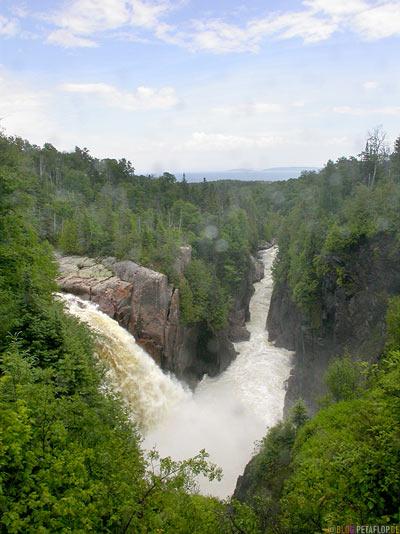 Falls-Wasserfaelle-Terrace-Bay-Schreiber-Ontario-Canada-KanadaDSCN8247.jpg