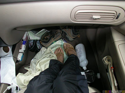 foot-space-leg-room-Ford-Taurus-Fussraum-Pocahontas-Campground-Campingplatz-Rocky-Mountains-Jasper-National-Park-Alberta-Canada-Kanada-DSCN9779.jpg