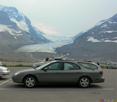 Ford-Taurus-Station-Wagon-Kombi-Parking-Lot-Parkplatz-Brewster-Bus-Tour-Trip-on-Athabasca-Glacier-Gletscher-Columbia-Icefield-Jasper-National-Park-Rocky-Mountains-Alberta-Canada-Kanada-DSCN9594.jpg