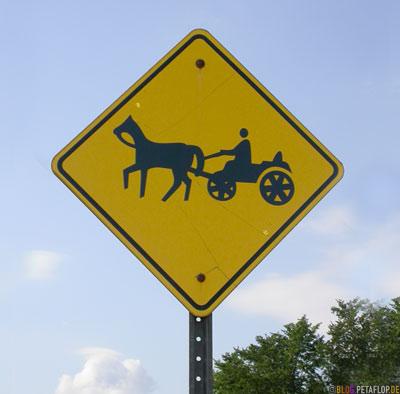 Germans-Deutsche-Mennonites-Mennoniten-Verkehrsschild-Traffic-Sign-Horse-Ontario-Canada-Kanada-DSCN8000.jpg