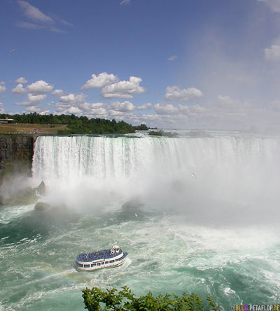 Horseshoe-Falls-Niagara-on-the-falls-Niagara-Falls-Ontario-Canada-Kanada-DSCN7639.jpg