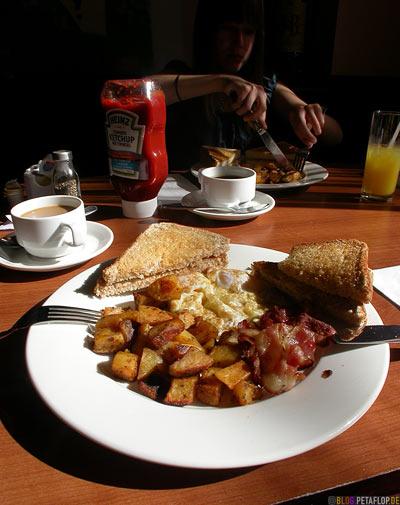 Hotel-Days-Inn-Breakfast-Fruehstueck-Toronto-Ontario-Canada-Kanada-DSCN7571.jpg