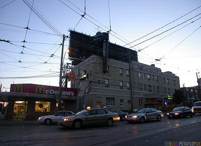 Hotel-Days-Inn-Frontside-Vorderseite-Roncesvalles-Ave-14-Toronto-Ontario-Canada-Kanada-DSCN7559.jpg