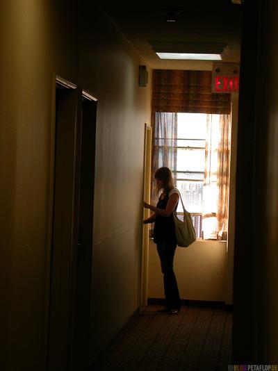 Hotelflur-Hotel-corridor-Days-Inn-Roncesvalles-Ave-14-Toronto-Ontario-Canada-Kanada-DSCN7534.jpg