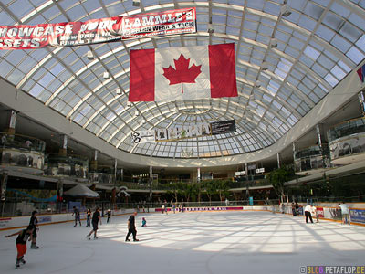 Ice-Rink-Eislaufbahn-Schlittschuhbahn--West-Edmonton-Mall-Alberta-Canada-Kanada-DSCN9860.jpg