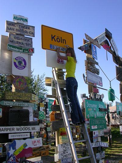 Koeln-Duesseldorf-Signpost-Forest-Schilderwald-Alaska-Highway-Watson-Lake-Yukon-Canada-Kanada-DSCN0378.jpg
