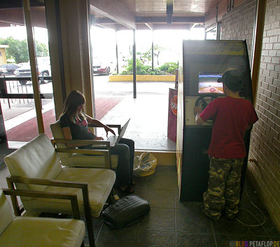 Lobby-Knights-Inn-Hotel-Pim-Street-Sault-Saint-Marie-Ontario-Canada-Kanada-DSCN8011.jpg