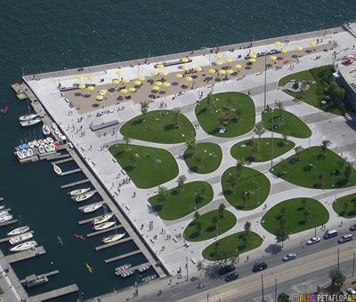Marina-Yachthafen-Sporthafen-Vogelperspektive-birds-eye-view-from-CN-Tower-Blick-vom-Toronto-Ontario-Canada-Kanada-DSCN7739.jpg