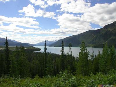 Muncho-Lake-Alaska-Highway-BC-British-Columbia-Canada-Kanada-DSCN0290.jpg