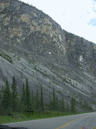 Northern-Rocky-Mountains-Alaska-Highway-British-Columbia-Canada-Kanada-DSCN0199.jpg