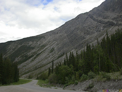 Northern-Rocky-Mountains-Alaska-Highway-British-Columbia-Canada-Kanada-DSCN0206.jpg