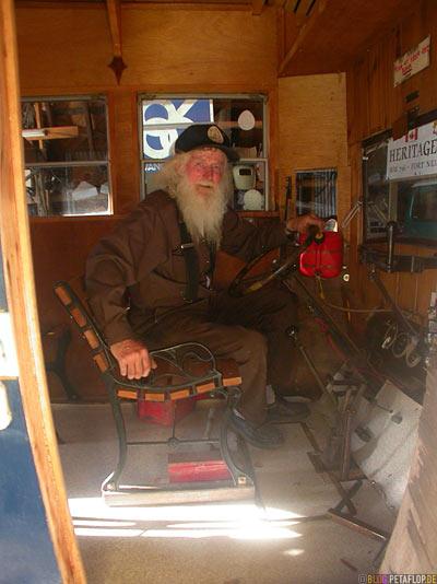 Old-Man-Bus-Driver-white-beard-alter-Oldtimer-Busfahrer-weisser-bart-Heritage-Museum-Fort-Nelson-Alaska-Highway-British-Columbia-Canada-Kanada-DSCN0011.jpg