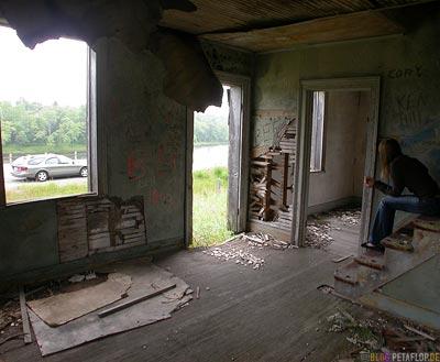 Old-rotten-house-wood-wooden-altes-verfallenes-Holzhaus-Echo-Bay-Ontario-Canada-Kanada-DSCN7959.jpg