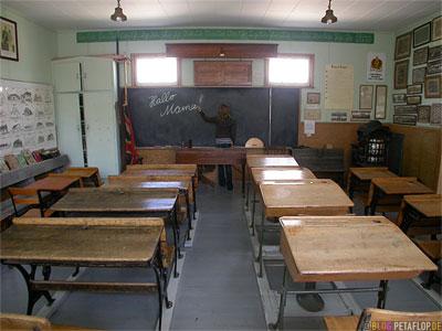 old-school-class-alte Schulklasse-Heritage-Museum-Portage-la-Prairie-Manitoba-Canada-Kanada-DSCN8566.jpg