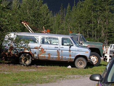 Old-Van-Muncho-Lake-Alaska-Highway-BC-British-Columbia-Canada-Kanada-DSCN0265.jpg