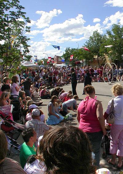 Peopla-at-Street-Festival-Strassenfest-Grande-Prairie-Alberta-Canada-Kanada-DSCN9947.jpg