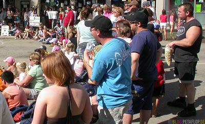 People-at-Street-Festival-Strassenfest-Grande-Prairie-Alberta-Canada-Kanada-DSCN9950.jpg