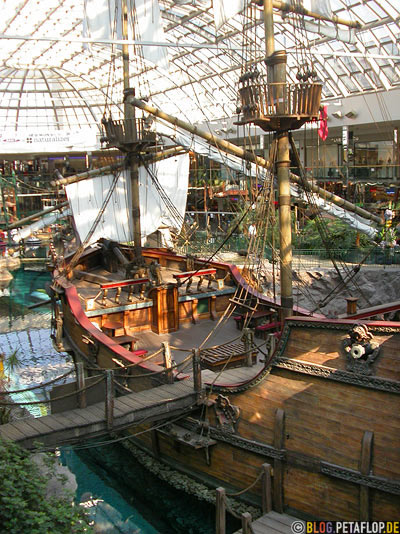 Pirate-Ship-Piratenschiff-West-Edmonton-Mall-Alberta-Canada-Kanada-DSCN9900.jpg