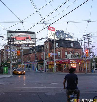 Queen-Street-West-Roncesvalles-Ave-King-Street-West-Toronto-Canada-Kanada-DSCN7557.jpg