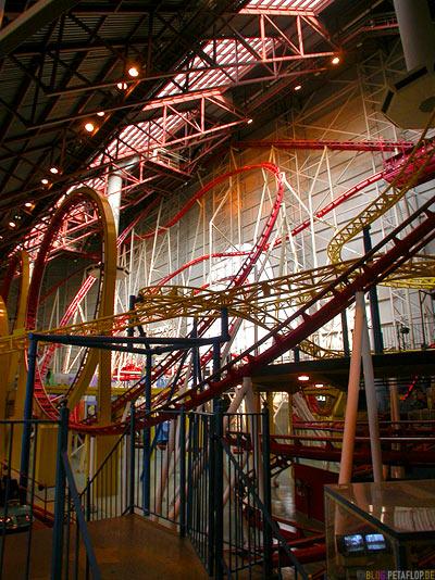 Rollercoaster-Achterbahn-Galaxyland-Vergnuegungspark-West-Edmonton-Mall-Alberta-Canada-Kanada-DSCN9836.jpg