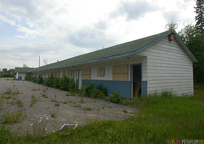 Rotten-Motel-verfallenes-near-Wawa-Trans-Canada-Highway-Ontario-Canada-Kanada-DSCN8112.jpg