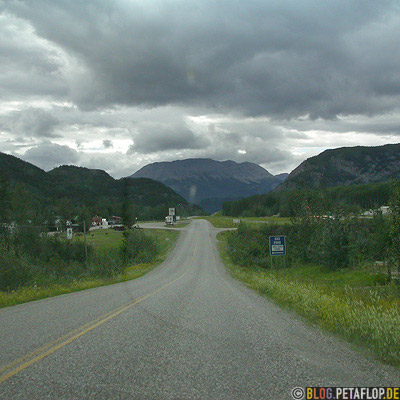 Toad-River-Northern-Rocky-Mountains-Alaska-Highway-British-Columbia-Canada-Kanada-DSCN0167.jpg
