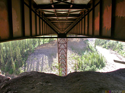 under-the-Kiskatinaw-River-Bridge-unter-der-Bruecke-British-Columbia-Canada-Kanada-DSCN0034.jpg