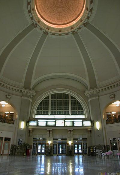 Union-Station-Main-Station-central-station-entrance-hall-Hauptbahnhof-Eingangshalle-Winnipeg-Manitoba-Canada-Kanada-DSCN8395.jpg