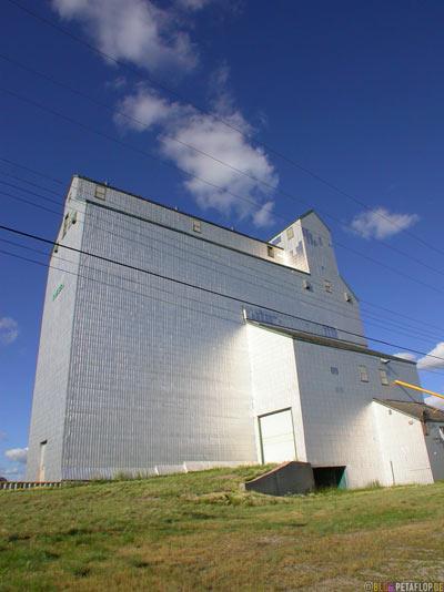 wheat-Silo-Weizensilo-Getreidesilo-Russell-Manitoba-Canada-Kanada-DSCN8667.jpg