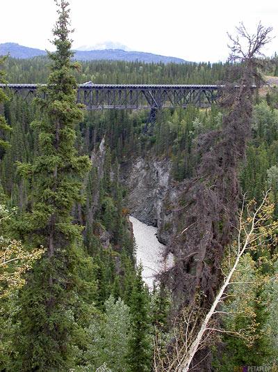 Bridge-River-Wrangell-St-Elias-National-Park-McCarthy-Road-Alaska-USA-DSCN1902.jpg