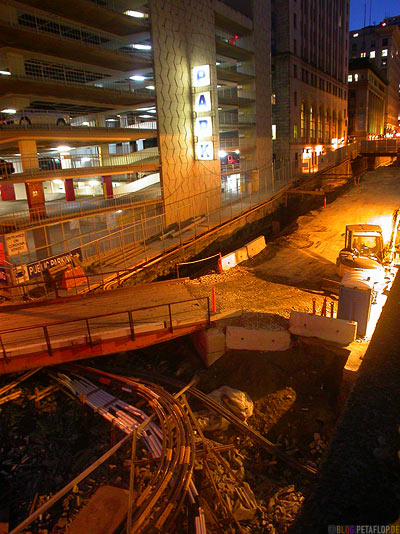 Building-Site-underground-Downtown-Vancouver-at-night-BC-British-Columbia-Canadaq-Kanada-DSCN3289.jpg