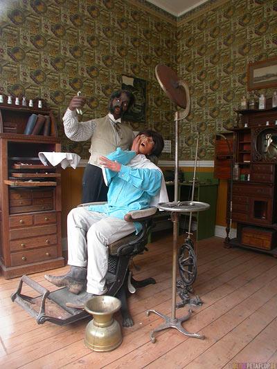 Dentist-Zahnarzt-Patient-Zahnbehandlung-heritage-old-western-town-Westernstadt-wilder-westen-wild-west-Barkerville-BC-Canada-Kanada-DSCN2670.jpg