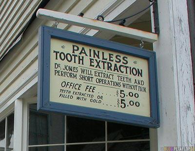 Dentist-Zahnarzt-Preise-prices-fees-heritage-old-western-town-Westernstadt-wilder-westen-wild-west-Barkerville-BC-Canada-Kanada-DSCN2668.jpg