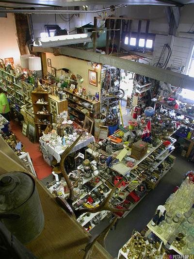 Flea-Market-Clinton-Emporium-Antiques-Collectibles-BC-British-Columbia-canada-Kanada-DSCN2751.jpg