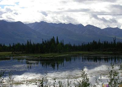 Gakona-Lake-Mentasta-Alaska-USA-DSCN2166.jpg