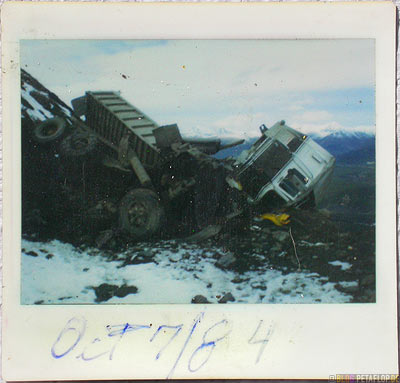 heavy-Truck-accident-schwerer-Lastwagen-Unfall-Polaroid-Photo-found-in-gefunden-in-Cassiar-British-Columbia-BC-Canada-Kanada-DSCN2640.jpg