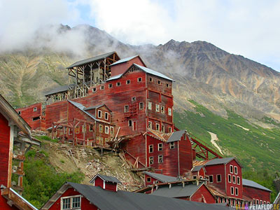 Kennicott-Kennecott-abandoned-copper-mine-verlassene-Kupfermine-Wrangell-St-Elias-National-Park-McCarthy-Road-Alaska-USA-DSCN2043.jpg