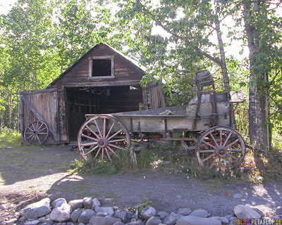 McCarthy-Wrangell-St-Elias-National-Park-Alaska-USA-DSCN2121.jpg