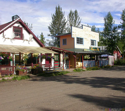McCarthy-Wrangell-St-Elias-National-Park-Alaska-USA-DSCN2123.jpg
