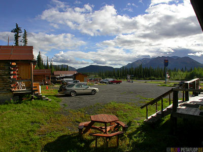 Mentasta-Lodge-Alaska-USA-DSCN2176.jpg